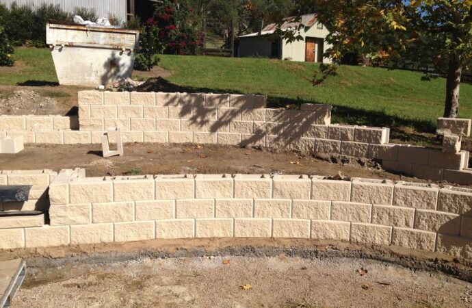 Retaining & Retention Walls-Longview TX Professional Landscapers & Outdoor Living Designs-We offer Landscape Design, Outdoor Patios & Pergolas, Outdoor Living Spaces, Stonescapes, Residential & Commercial Landscaping, Irrigation Installation & Repairs, Drainage Systems, Landscape Lighting, Outdoor Living Spaces, Tree Service, Lawn Service, and more.